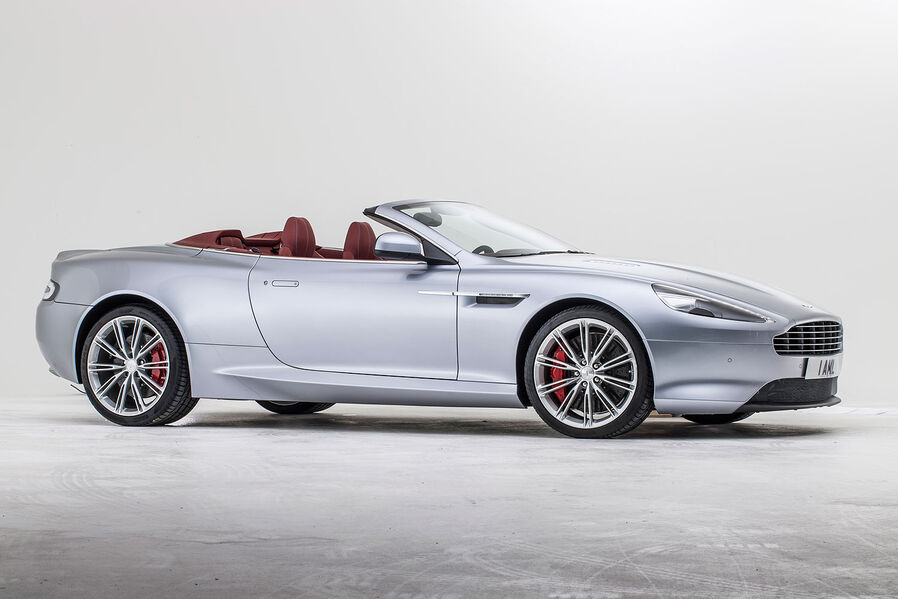 [Bild: 09-2012-Aston-Martin-DB9-Vantage-Volante...629595.jpg]