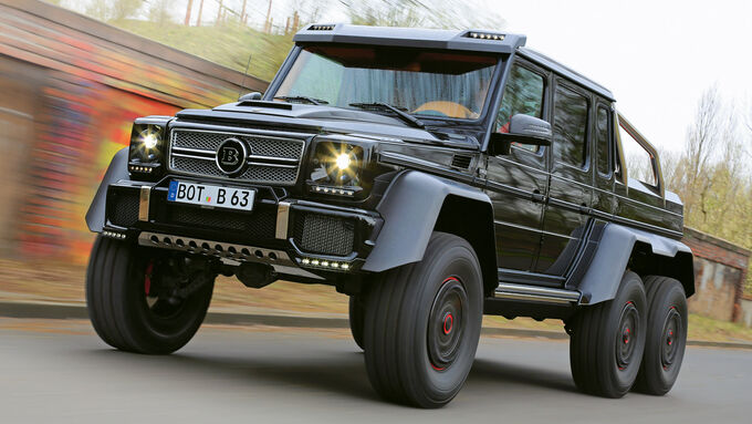 Brabus 700 6x6, Front view