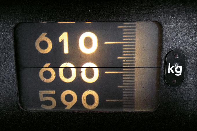 Caterham Seven 620 R, Waage, Gewicht