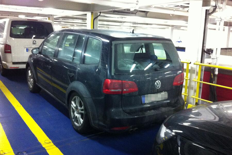 2015 - [Volkswagen] Touran Erlkoenig-VW-Touran-fotoshowBigImage-72362d67-744721