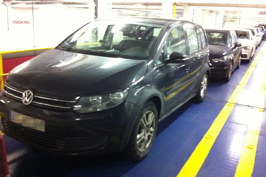 2015 - [Volkswagen] Touran Erlkoenig-VW-Touran-fotoshowBigImage-cd586640-744716