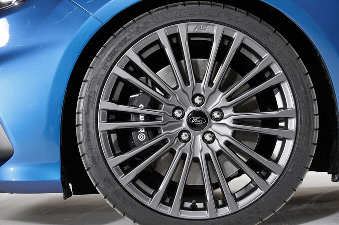 Ford Focus RS 2015, 17-Zoll-Leichtmetallfelgen, Brembo-Bremse