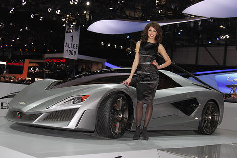 Girls Autosalon Genf 2041