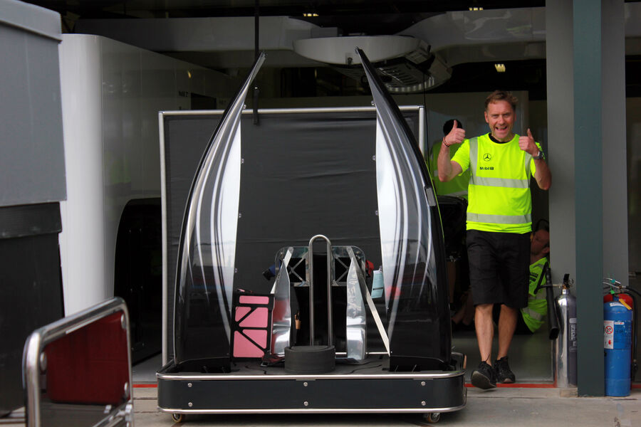 McLaren adds black to 2014 F1 car livery