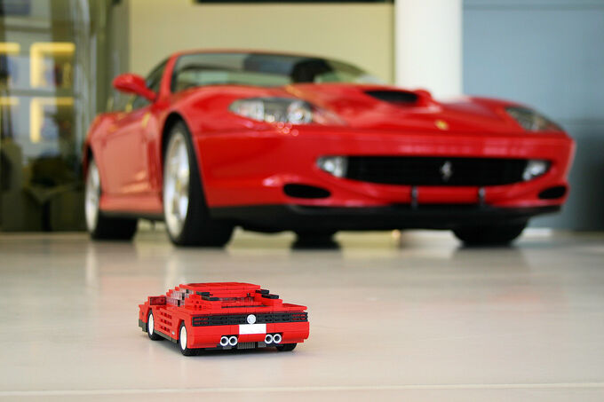 Lego Auto-Modelle, Ferrari Testarossa