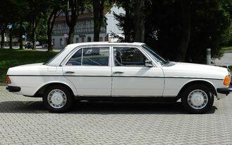 Mercedes-Benz 200 (W 123)