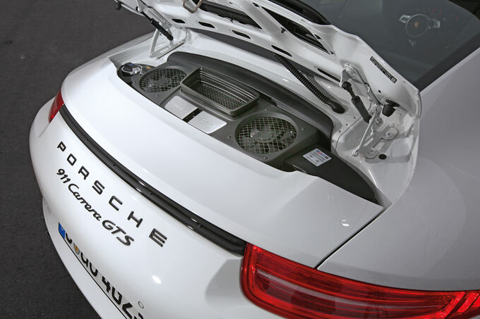 Porsche 911 Carrera GTS, Engine