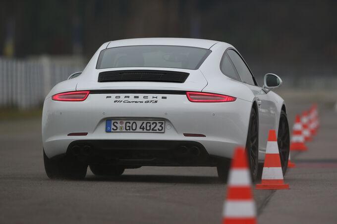 Porsche 911 Carrera GTS, Rear view, Slalom