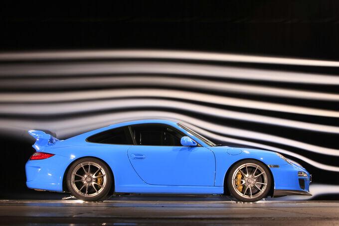 [Bild: Porsche-911-GT3-fotoshowImage-c3b9af18-245985.jpg]