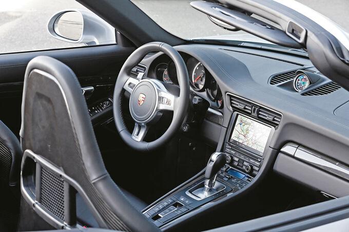 Porsche 911 Turbo S Cabriolet, Cockpit