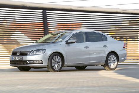 Serienfahrzeuge Limousinen bis 50 000 € - VW Passat 4motion